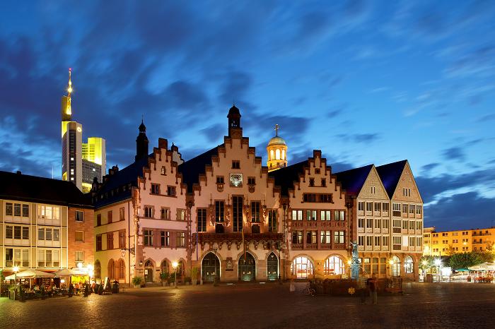 Römerberg_Frankfurt_abends